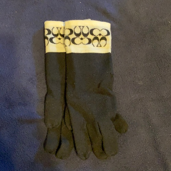 Coach gloves size large